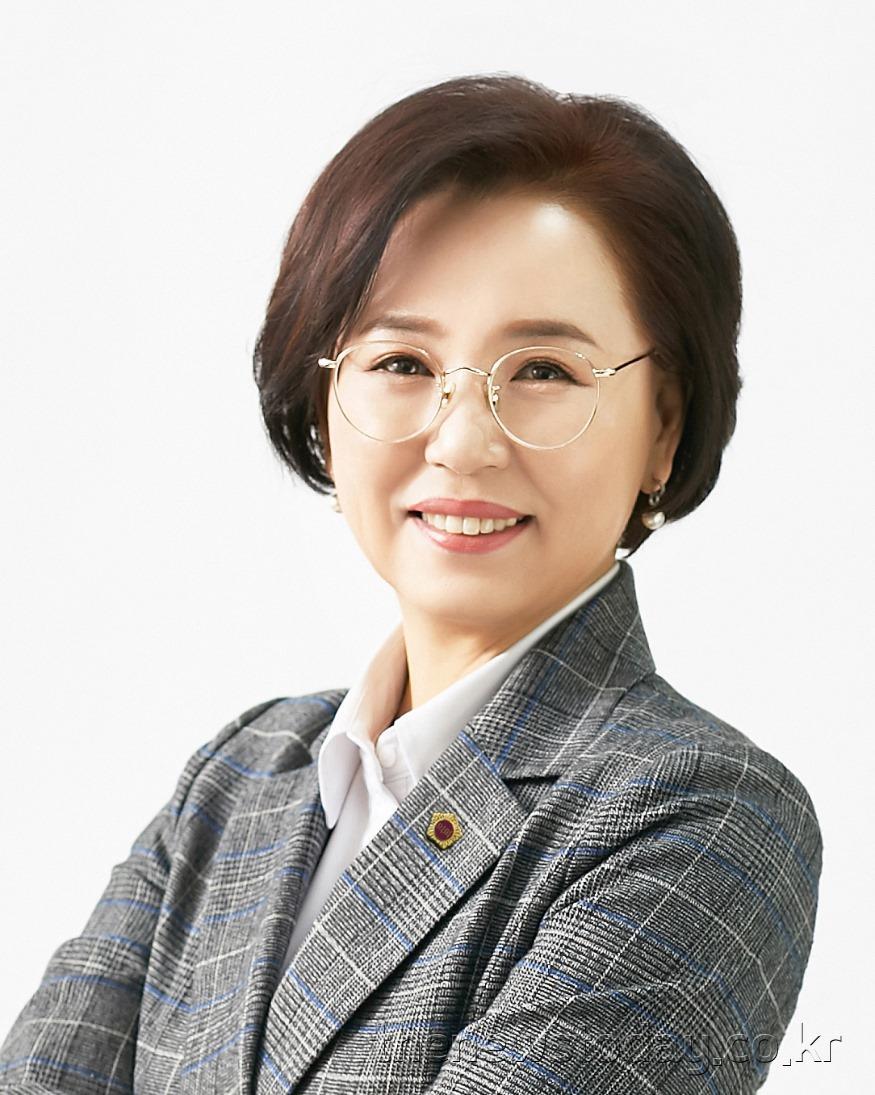 김연 의원(천안7, 민주).jpg