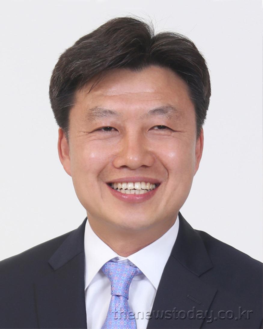 이공휘 의원(천안4, 민주).jpg