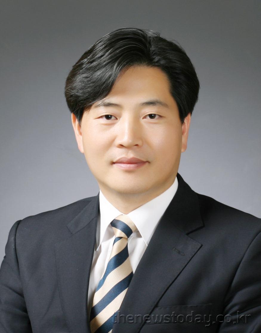 김동일 의원(공주1, 민주)(최종).jpg