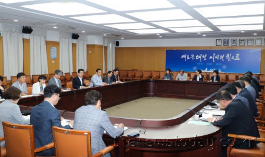 허 시장, 주요 사업 많은 6월 공직자 집중력 발휘 주문_주간업무회의 (2).jpg