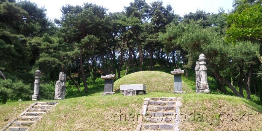 향수테마-조헌묘소.jpg