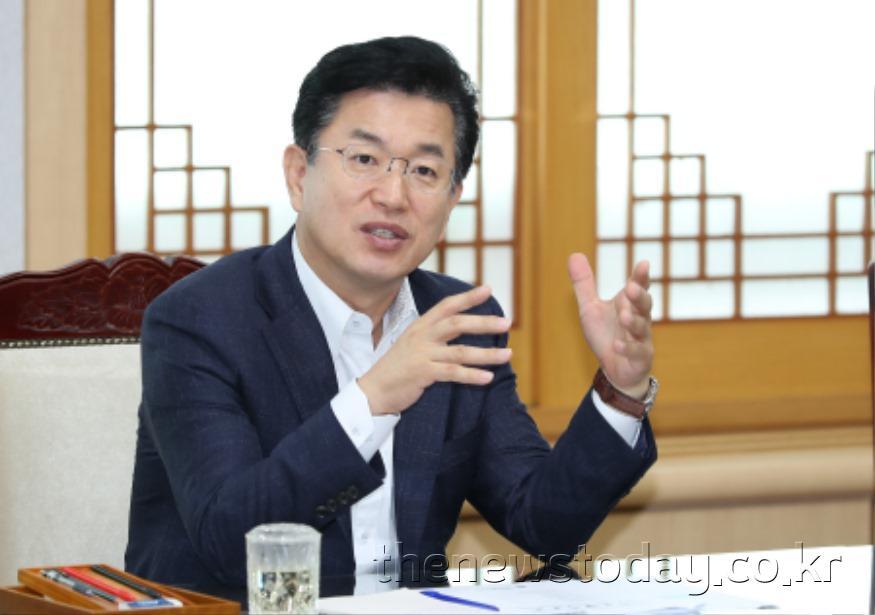 허 시장, 시민 존중하는 소통자세로 민원해결 나서야_주간업무회의 (2).jpg