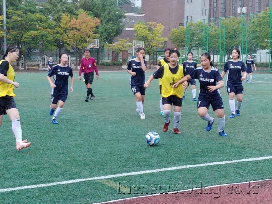 스포츠클럽대회 여자축구경기.jpg