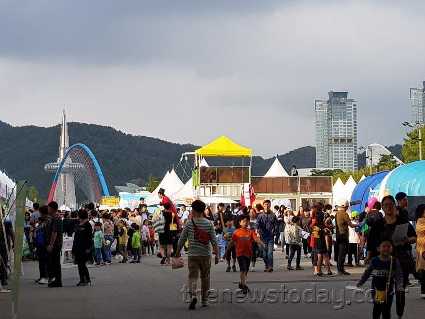 대전시, 제4회 Safe대전 안전체험한마당, 성료_행사장전경.jpg