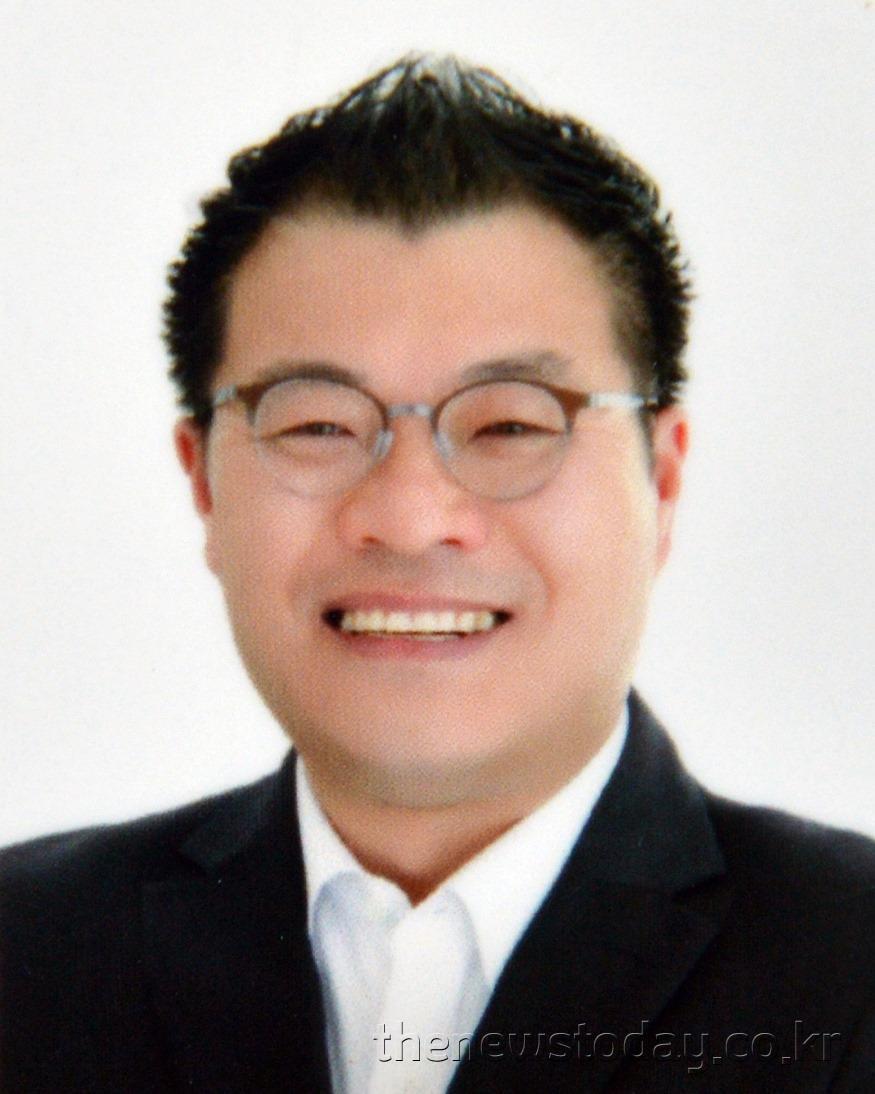 최훈 의원(공주2, 민주).jpg